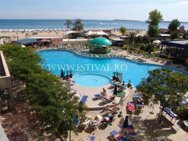 poza hotel SEJUR SUNNY BEACH - HOTEL BELLEVUE 4*      11_hoteluri_7588776_bulgaria-sunny-beach-hotel-bellevue-piscina.jpg