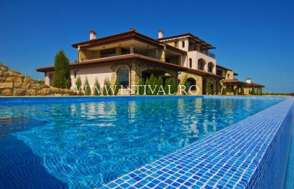 poza hotel OFERTA 2019 BLACK SEA RAMA GOLF AND VILLAS CLUB RESIDENCE APARTMENTS  5* 12_hoteluri_3914671_black-sea-rama-golf-and-villas-kavarna-bulgaria--58-.jpg