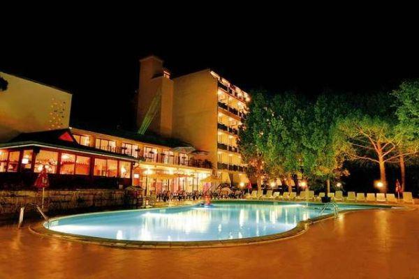 SEJUR BULGARIA HOTEL TINTYAVA 3* NISIPURILE DE AUR 10_hoteluri_5589292_cazare-ieftine-nisipurile-de-aur-bulgaria-all-inclusive-hotel-tintyava-golden-sands--10-.jpg