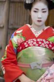JAPONIA 10_lii_317286_fat---dansatoare-maiko--ucenicelor-ghei--e--kyoto---i-osaka.jpg