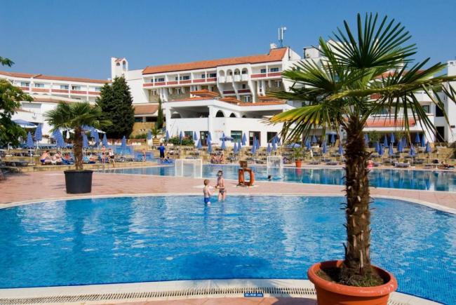 CAZARE BULGARIA 2020 HOTEL PELIKAN 4* 12_hoteluri_1378417_rezervari-cazari-djuni-bulgaria-hotel-pelikan-duny-bulgaria-estival.ro--140-.jpg
