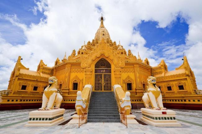 BIRMANIA (UNION OF MYANMAR) 12_lii_3481982_swe-taw-myat--buddha-tooth-relic-pagoda--yangon-myanmar.jpg