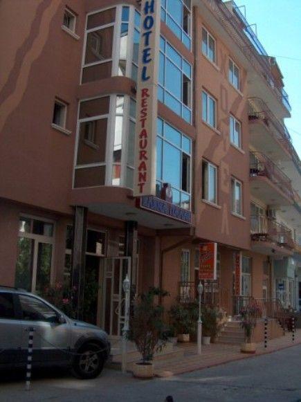 CAZARE BULGARIA 2020 HOTEL ELENA PALACE 3* 6_hoteluri_3668082_bulgaria-nessebar-hotel-elena-palace.jpg